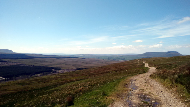 pennine way long distance national trail england moorland three peaks