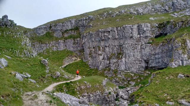 pennine way walking hiking national trial england