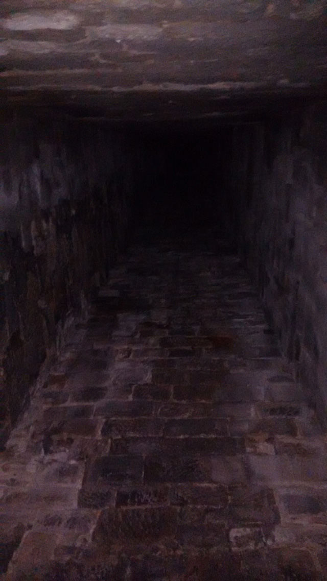 stoodley-pike-pennine-way-inside