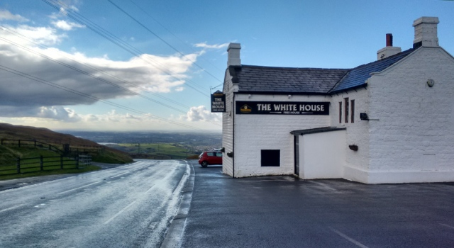 white-house-inn-pennine-way