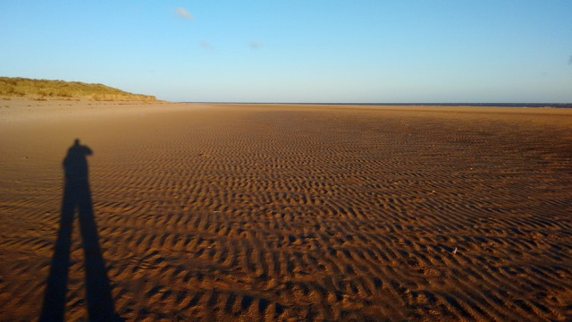 holkham-beach-shadow-norfolk