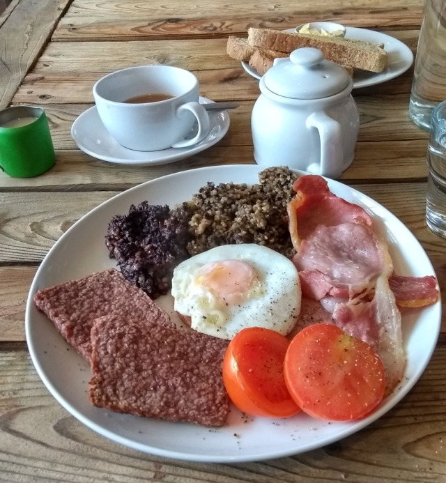 cardrona-breakfast-scottish-national-trail
