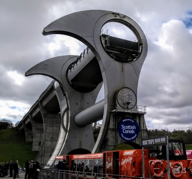 falkirk-wheel-scottish-national-trail