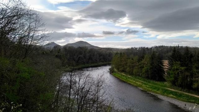 tweed-saint-cuthberts-way-scotland