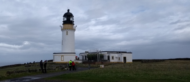 cape-wrath-lighthouse-tourists-scotland