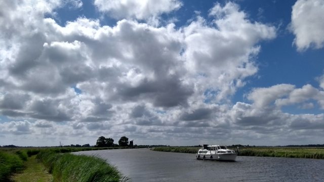 norfolk broads cruiser and river england