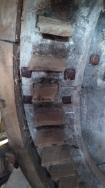 clippesby-mill-norfolk-wooden-gear