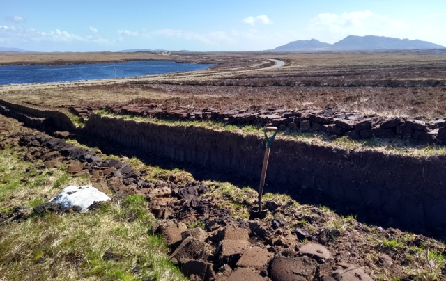 north-uist-peat-digging-hebrides