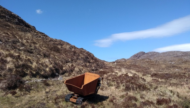 harris-coffin-road-hebrides-dumper
