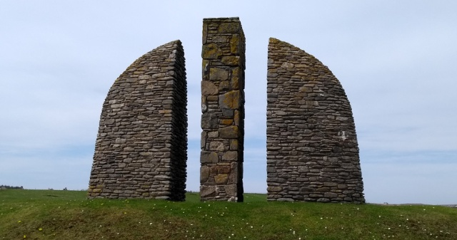 land-raiders-monument-lewis-hebrides1