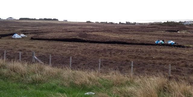 lewis-hebrides-peat-cutting