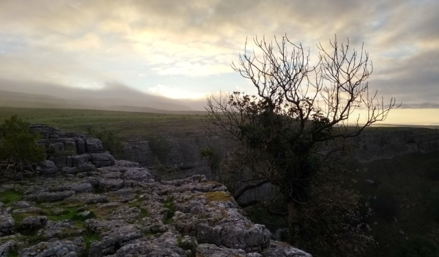 malham-limestone-pavement-pennine-way
