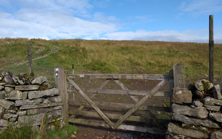 pennine way yorkshire dismal hill gate