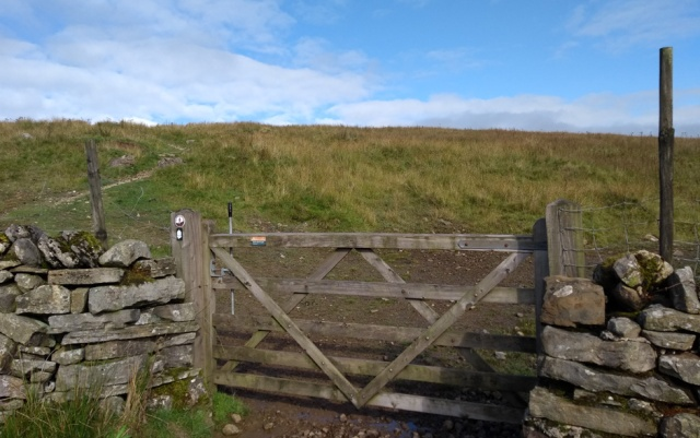 pennine way yorkshire dismal hill gate