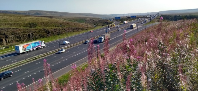 pennine way motorway M62