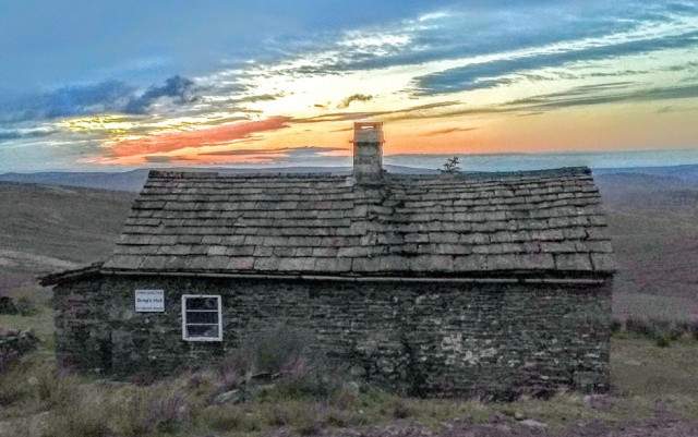 gregs-hut-sunset-pennine-way