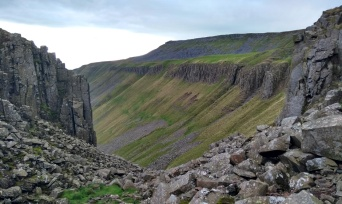high-cup-pennine-way-cumbria1