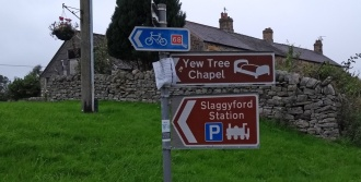 slaggyford-signs-pennine-way