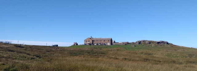 pennine way pub tan hill yorkshire