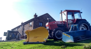 tan-hill-snowplough-pennine-way