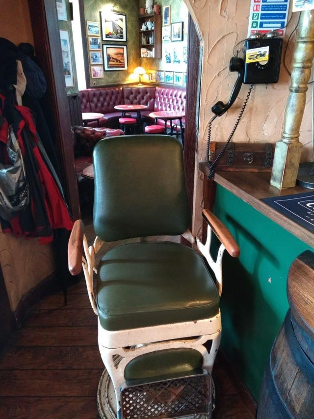 barrels-berwick-barbers-chair