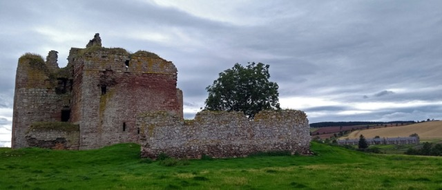 cessford-castle-scottish-national-trail