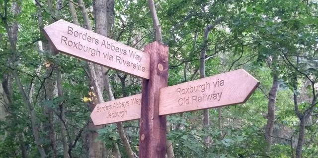roxburgh-route-choice-signpost