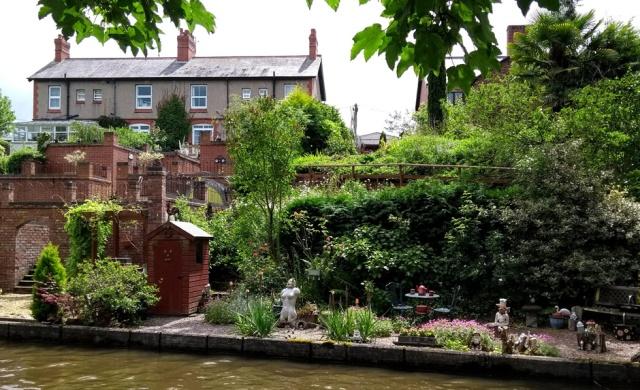 c2c-canalside-gardens-shropshire